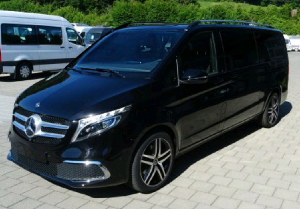 Mercedes-Benz V-Class 250d 4MATIC Avantgarde Edition Extralang  (for 7 passengers) + luggage trailer
